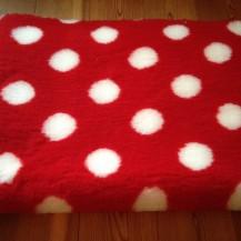 Original Vetbed Isobed SL rot mit weißen Punkten  100x150